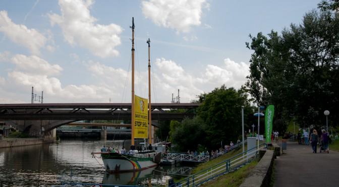 Greenpeace Aktion direkt in Stuttgart zum Schutz der Arktis