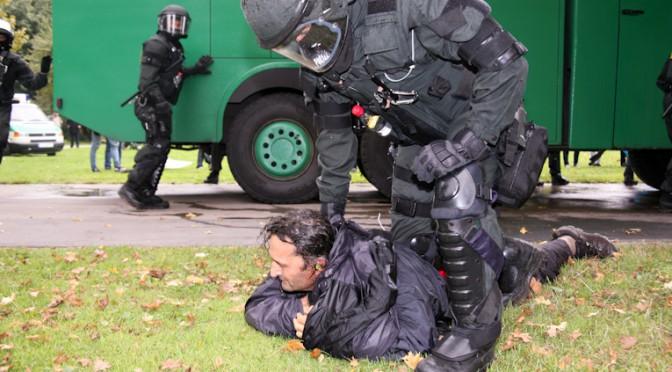 Schwarzer Donnerstag – Parkschützer fordern Entschädigung für alle Opfer