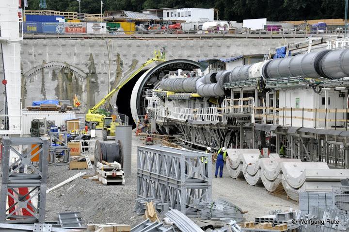 Bertha steckt seit einem Jahr fest – Häuser/Viadukt senken sich